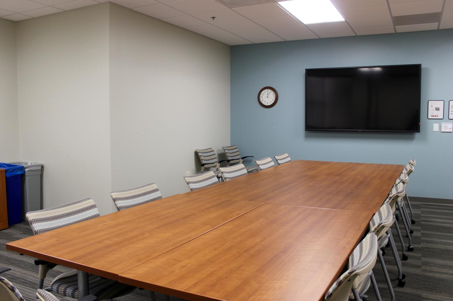 Room Becker Medical Library Shared Space Reservations Services - 16 person conference table